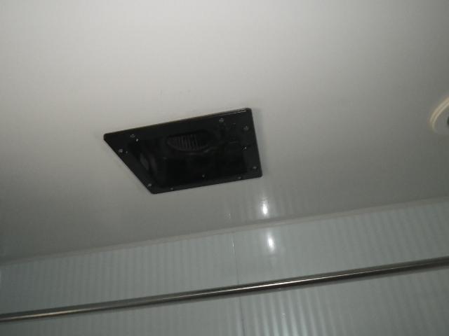 浴室換気扇取替工事 (西宮市) 施工前