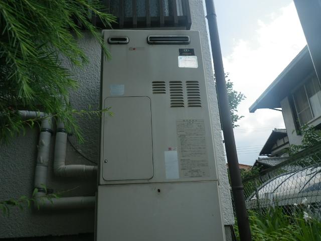 熱源機からガス給湯器へ取替工事 (川西市) 取替前
