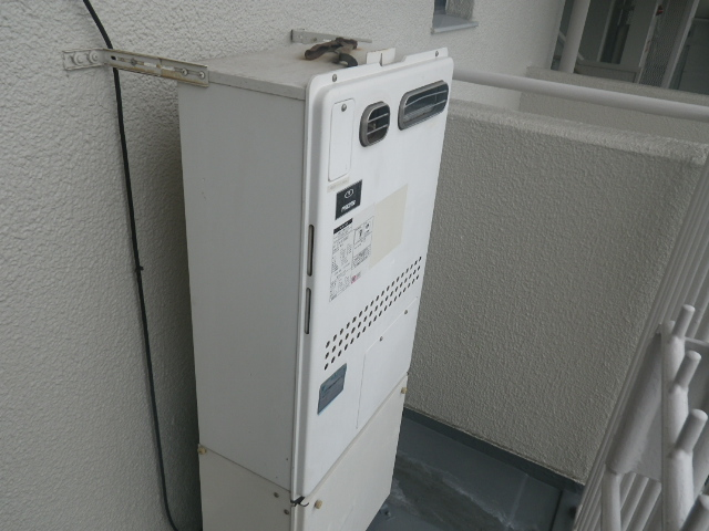熱源機から給湯器へ取替工事 (神戸市東灘区) 施工前