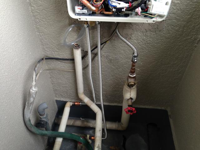 給湯器高温水供給式タイプ取替工事 (芦屋市) 配管加工完了後