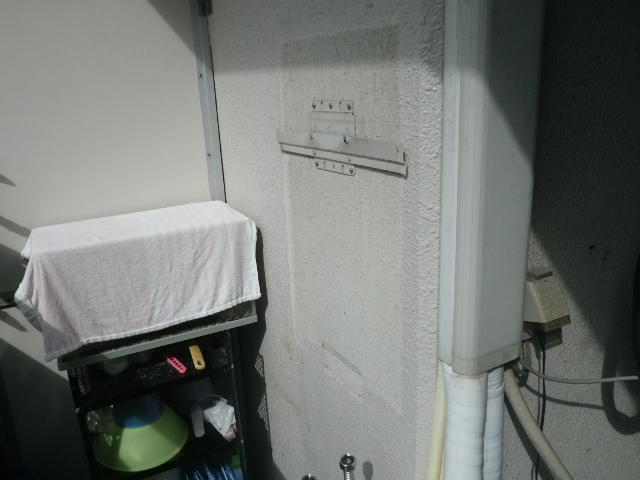 ガス給湯器エコジョーズ取替工事(神戸市中央区)既設給湯器撤去後