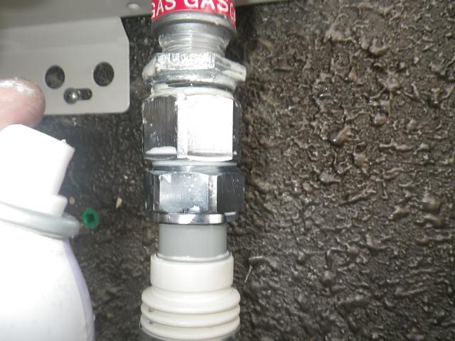 給湯専用型取替工事(神戸市長田区)ガス漏れチェック③