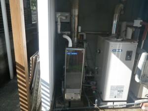 石油給湯器取替工事(神戸市東灘区)施工前