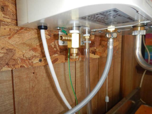 小型電気温水器新規取付工事(加古川市)給水施工完了後