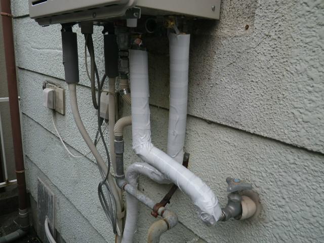 ガス給湯器取替工事(神戸市垂水区)保温材取付完了
