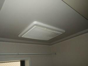 浴室暖房乾燥機取替工事(神戸市中央区)取替施工前