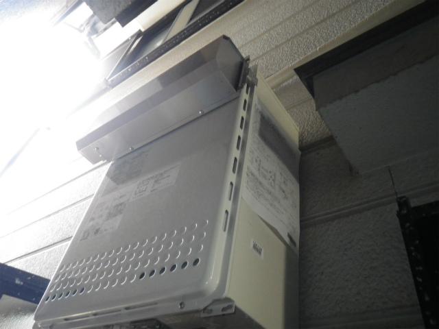 ガス給湯器取替工事(神戸市長田区)本体・排気アダプター取付完了後