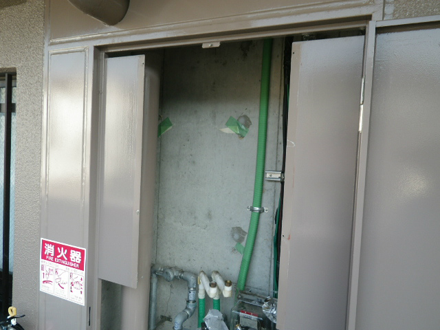 ガス給湯器取替工事(神戸市長田区)既設撤去完了後