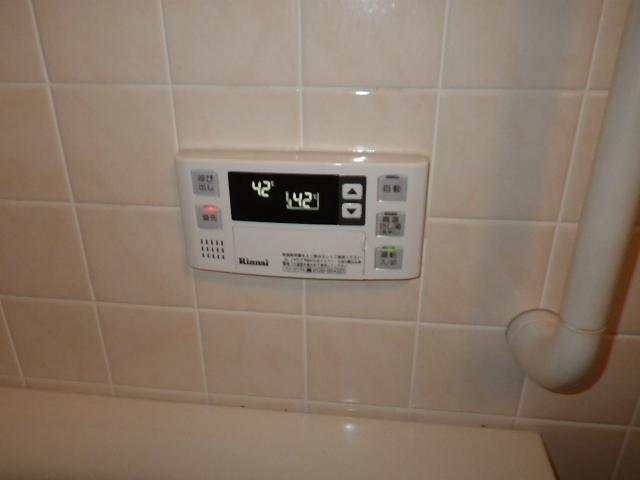 給湯器取替工事(神戸市須磨区)浴室リモコン取り付け