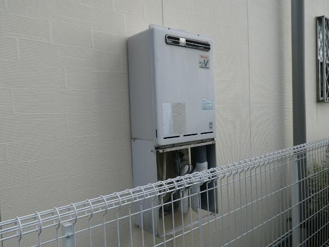 給湯器及びシャワー水栓取替工事(神戸市灘区)既設給湯器
