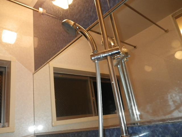 給湯器及びシャワー水栓取替工事(神戸市灘区)既設シャワー