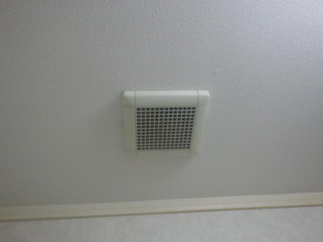 換気扇取替工事(神戸市西区)既設副吸い込み