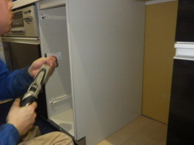 食器洗い機新設工事(加西市)サイドキャビネット取付後