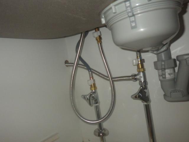 食洗機新設工事(三木市)水道配管分岐後