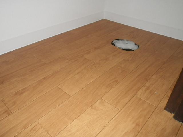 トイレ取替え工事 床面CF張り完了後②